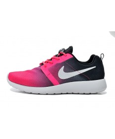 Nike Roshe Run sneakers Schwarz und rosa Steigung