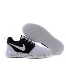 Nike Roshe Run Weiß / Schwarz sneakers
