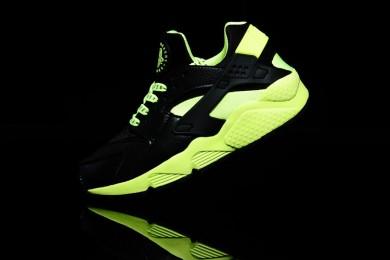 Nike Air Huarache leicht schwarz und Fluo Trainersneakers