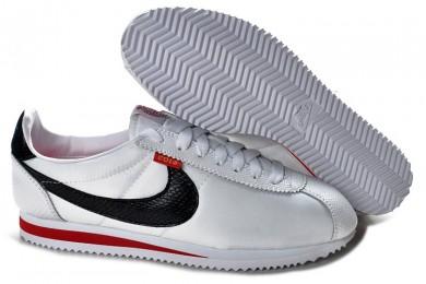 ce5f78c8cee6 Nike Classic Cortez Nylon Trainer schuhe Weiß Schwarz Rot für damen ...